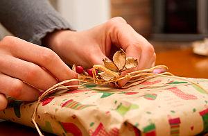 Как переподарить подарок