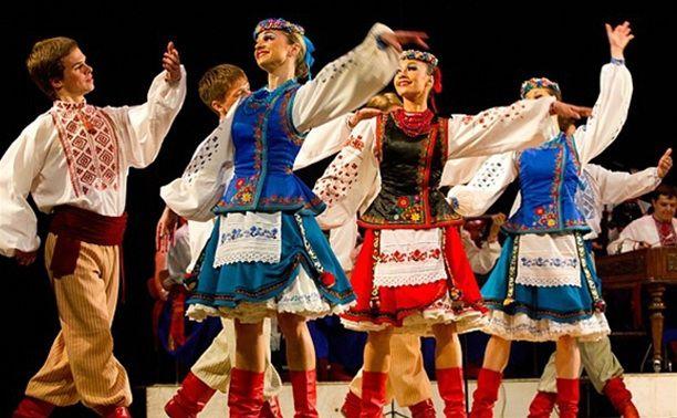Ужгородская семья шьет сценические народные костюмы